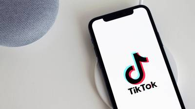 Amazon instructs employees to delete TikTok, reverses course hours later